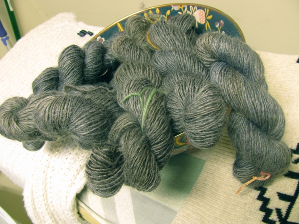 single ply worsted yarn